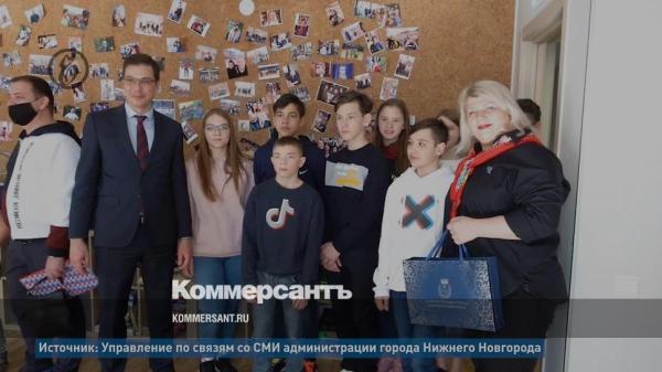 Мэр Нижнего Новгорода подарил «Хулиганодому» книги – Фото ...