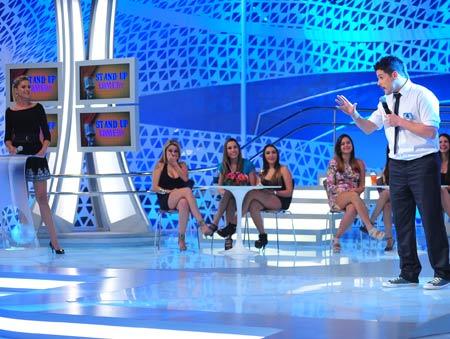 Ana Hickamnn comanda a semifinal do concurso de Stand-Up