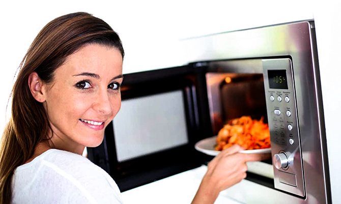 cook potatoes in a microwave