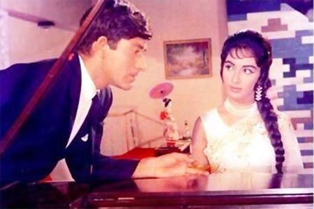 Raaj Kumar and Sadhana in Waqt