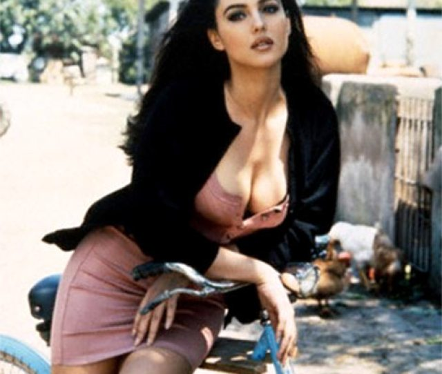 The First Time Most Of Us Had Our Jaws Dropped By Monica Bellucci She Played The Sensational Subject Of A Schoolboys Fantasies In This Beautiful Italian