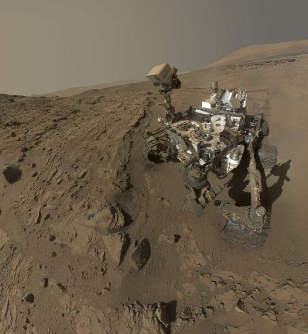 Life on Mars? NASA's Curiosity suggests so - Rediff.com ...