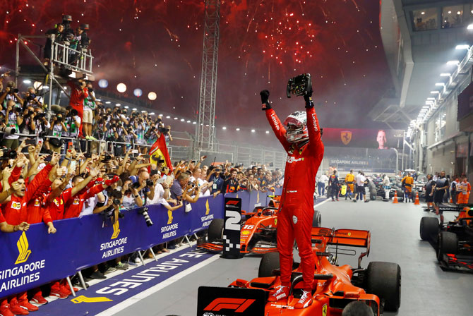 Singapore F1 Gp Vettel Ends Win Drought Rediff Sports