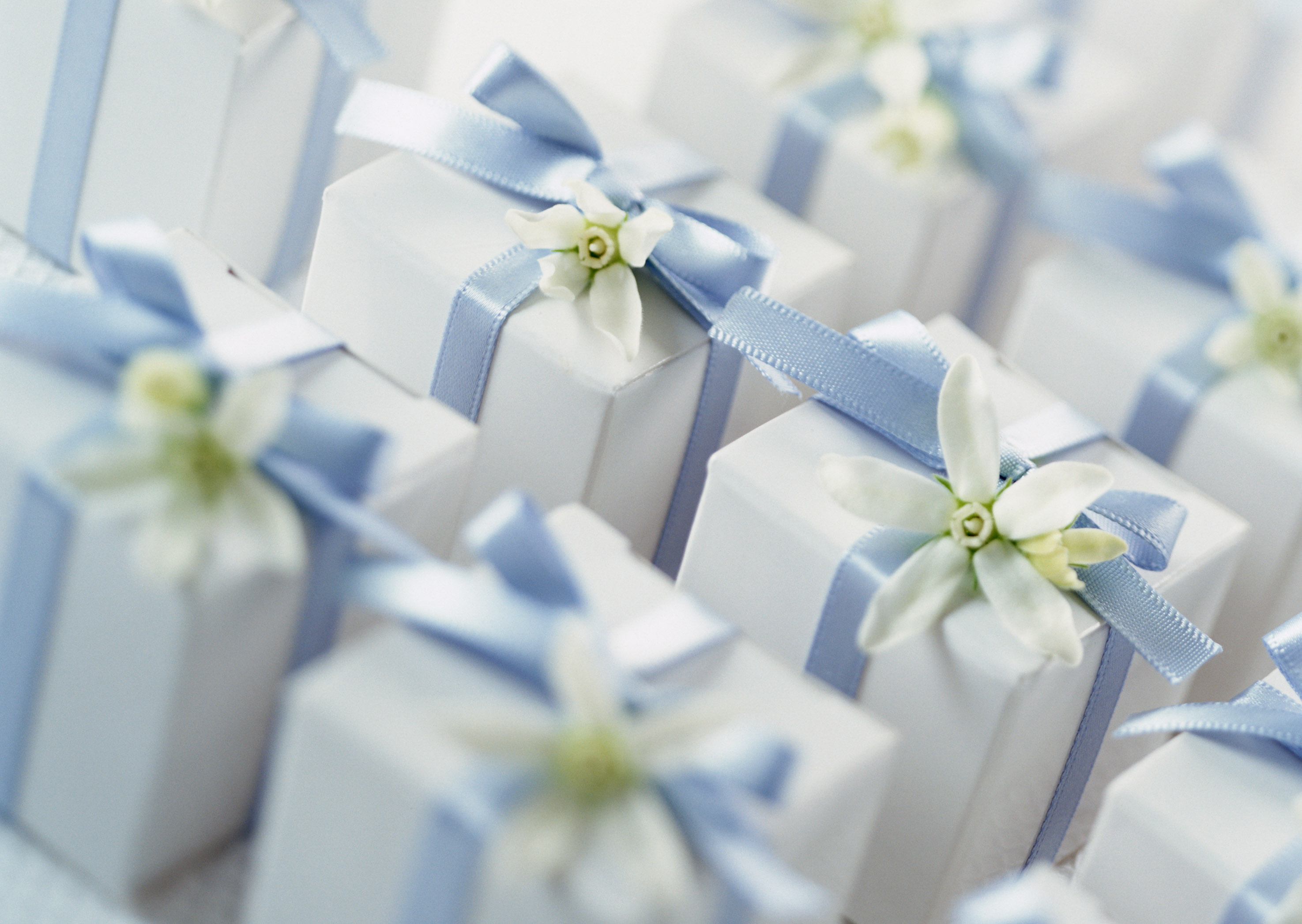 5 Gifts The Wedding Couple Will Absolutely Love