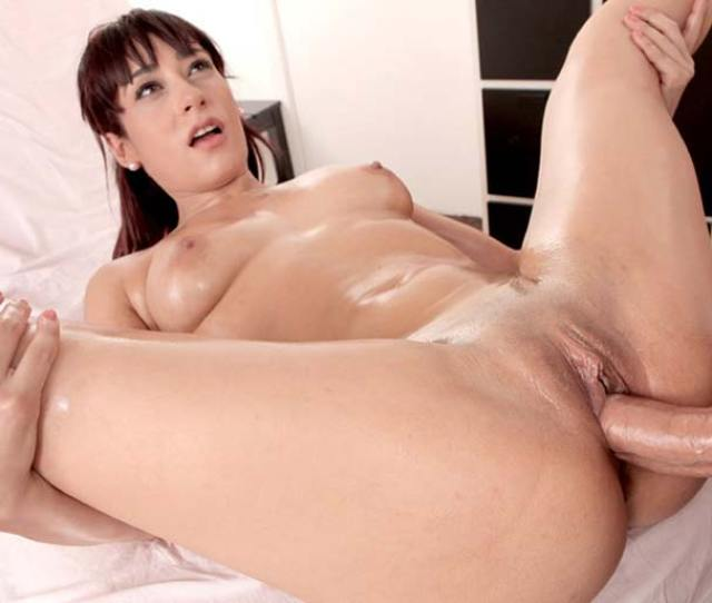 Oil Massage And Sex With Sexy Lucia Nieto