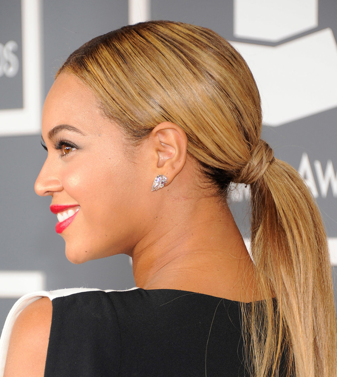 How To Smooth Bumps Out Of Your Hair For A Sleeker