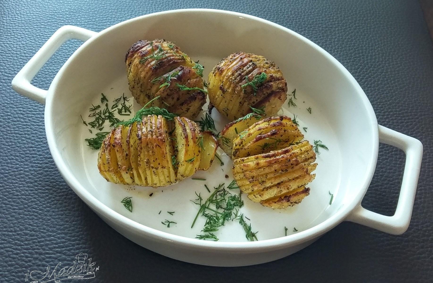 Pieczone ziemniaki a'la chipsy (Hasselback)