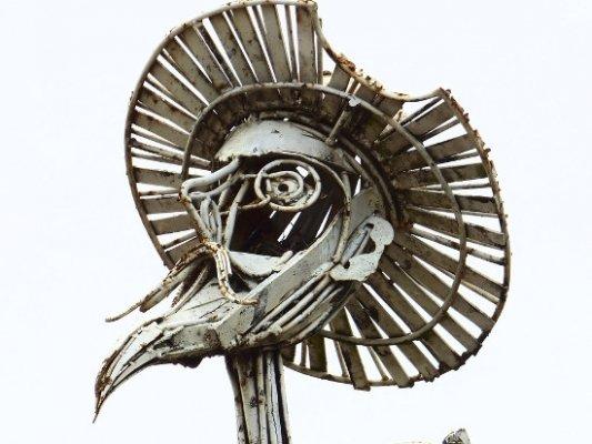 Escultura metálica de El Quijote.