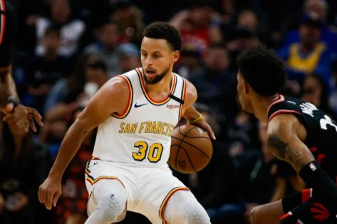 "Photo of ""If Steph Asked Me to Run Through a Wall For Him, I Will"" Warriors Teammate Praises Steph Curry – EssentiallySports"