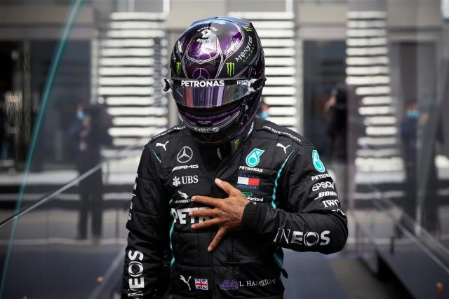 Lewis Hamilton uses twitter to raise awareness and pay tribute to his heroes