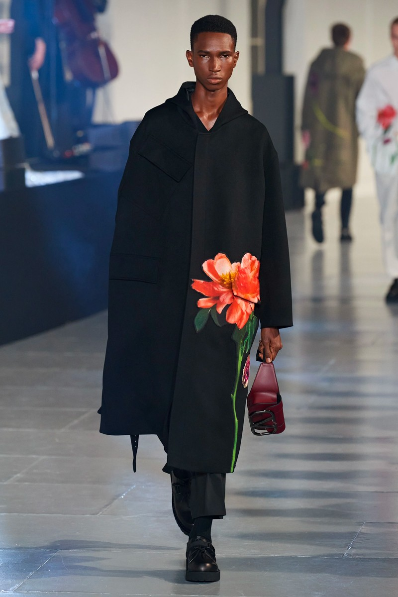 Valentino Fall/Winter 2020 Runway Collection paris fashion week mens Pierpaolo Piccioli ready to wear flowers