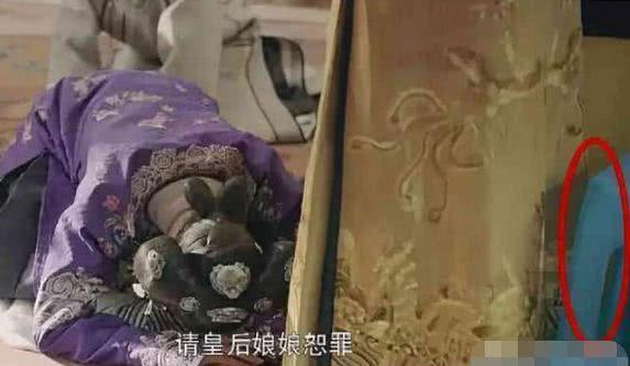 """""""Fan cứng"""" nhặt được loạt sạn hài hước khó tin thế này trong phim Trung Quốc - 1"""