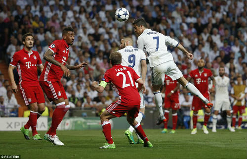 Real–Ronaldo được trọng tài biếu: Đêm nay đến lượt Barca - 3