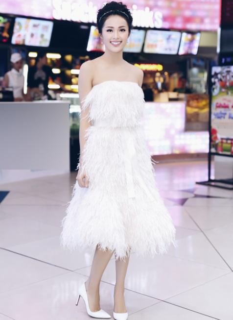 """Huyền My, Đỗ Mỹ Linh """"giật giải"""" mặc đẹp nhất tuần - 3"""