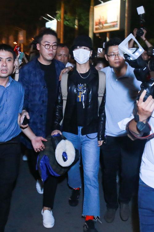 Fan Việt oà khóc khi gặp thành viên Super Junior - 10
