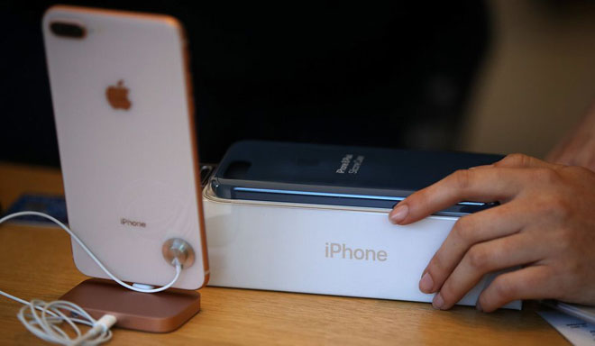 """Liên tục dính lỗi - cái kết nào cho """"con ghẻ"""" iPhone 8/ 8 Plus? - 1"""