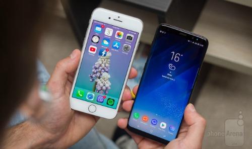 """Apple bị soán ngôi """"vua thiết kế"""" smartphone vì iPhone 8 - 2"""