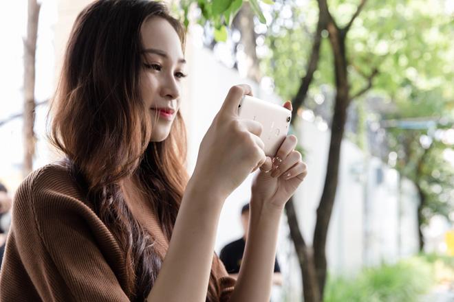 OPPO F5 lộ thiết kế màn hình tràn trong HHHV và MV của Noo Phước Thịnh - 3