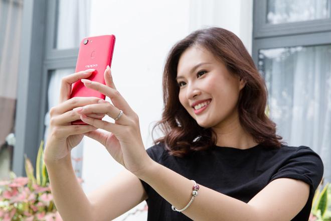 OPPO F5 lộ thiết kế màn hình tràn trong HHHV và MV của Noo Phước Thịnh - 6