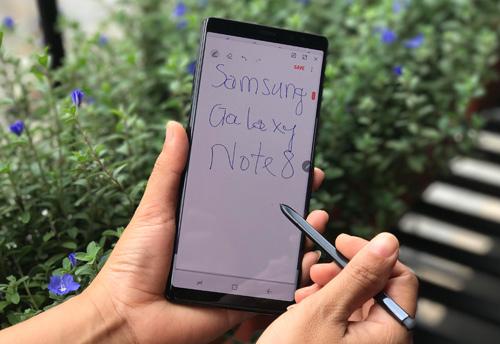 """Bút S Pen trên Galaxy Note8: """"Vũ khí"""" chinh phục mọi lứa tuổi - 1"""