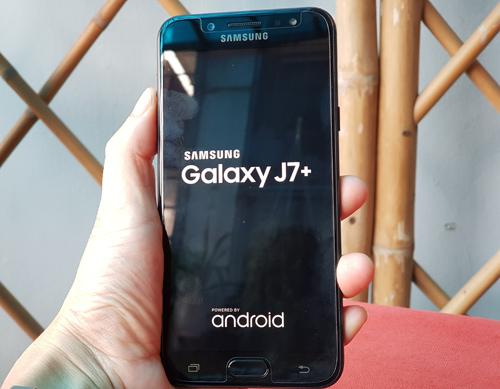 """Đánh giá Samsung Galaxy J7+: Thân hình nhỏ, """"bảo bối"""" lớn - 4"""