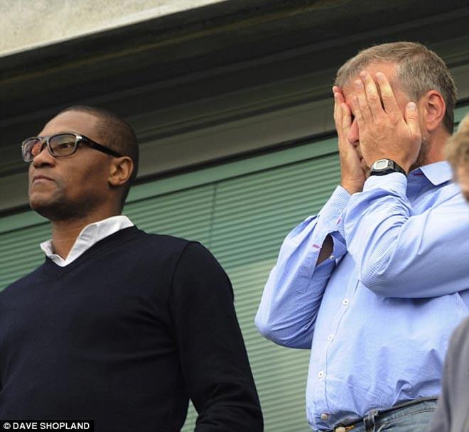 Chelsea căng thẳng tột độ: Sếp lớn từ chức sốc, fan hả hê ủng hộ Conte - 2