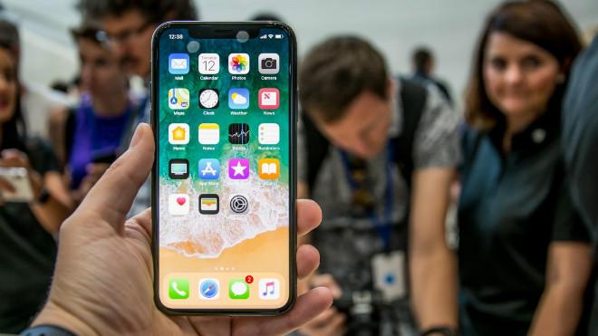 HOT: iPhone X, iPhone 8 có giá 0 đồng trong 1 ngày duy nhất - 1