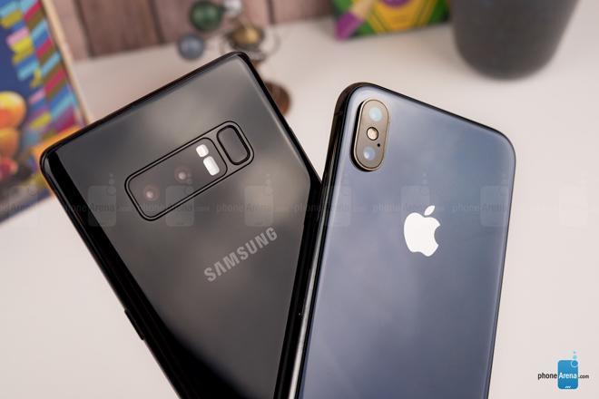 """So sánh iPhone X với Galaxy Note 8: """"Cuộc chạm trán nảy lửa"""" - 13"""
