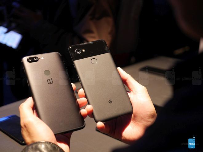 So sánh nhanh OnePlus 5T và Google Pixel 2 XL - 2