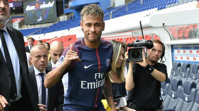 """Barca """"trói"""" Messi 700 triệu euro: Tránh """"vết xe đổ"""" Neymar, Ronaldo ghen tị - 3"""