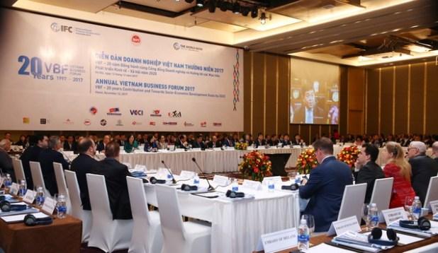 Khai mạc Diễn đàn DN Việt Nam thường niên 2017: Chính phủ luôn lắng nghe, đồng hành cùng DN - ảnh 1