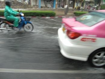 タイ雨-3
