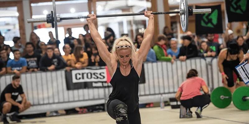 2017 Crossfit open sara sigmundsdottir exercises walking lunges