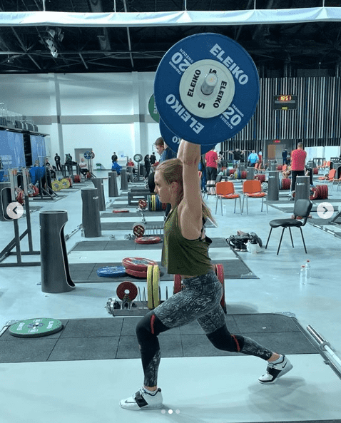weightlifting jerk