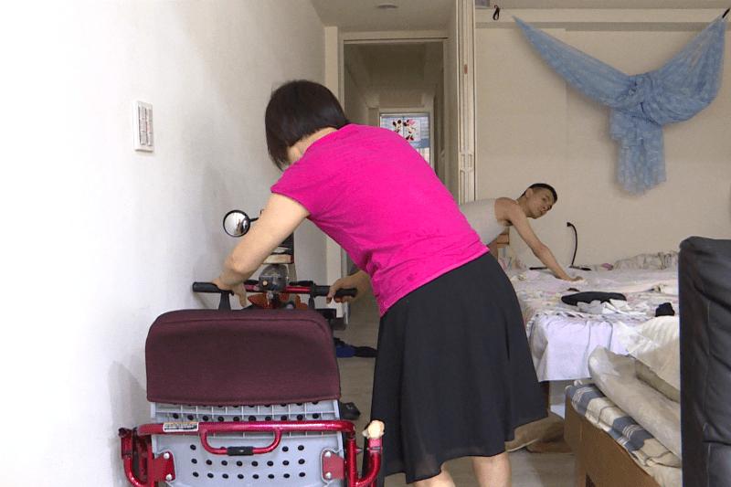家人為方便照顧障礙者,障礙者的房間可能是沒有門的