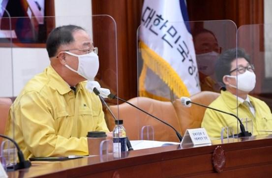 """홍남기 """"코로나 피해 580 만 명에게 9.3 조원 지원 … 춘절 전 90 % 지급""""(전체)"""