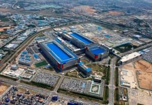 한국, 미국, 대만, 반도체 패권 전쟁 … 사령탑 공란 삼성 '슈퍼 비상'