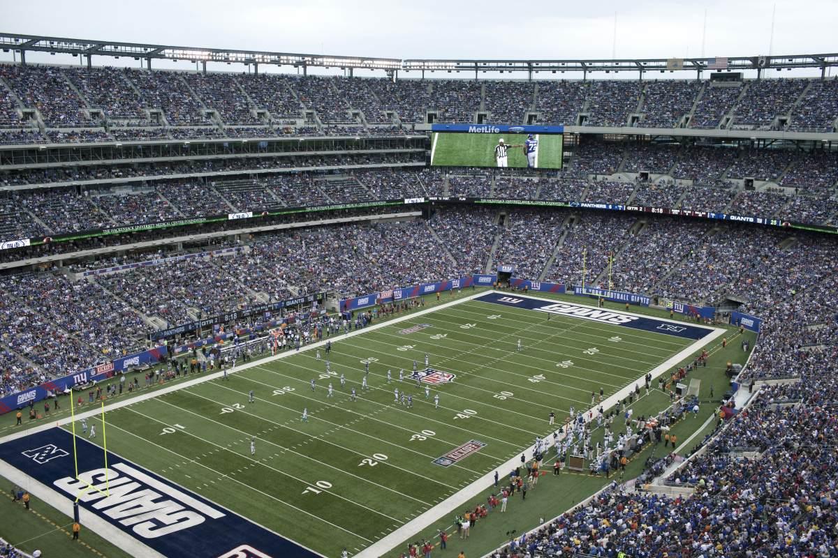 Lehman sues Giants Stadium over interest-rate swaps