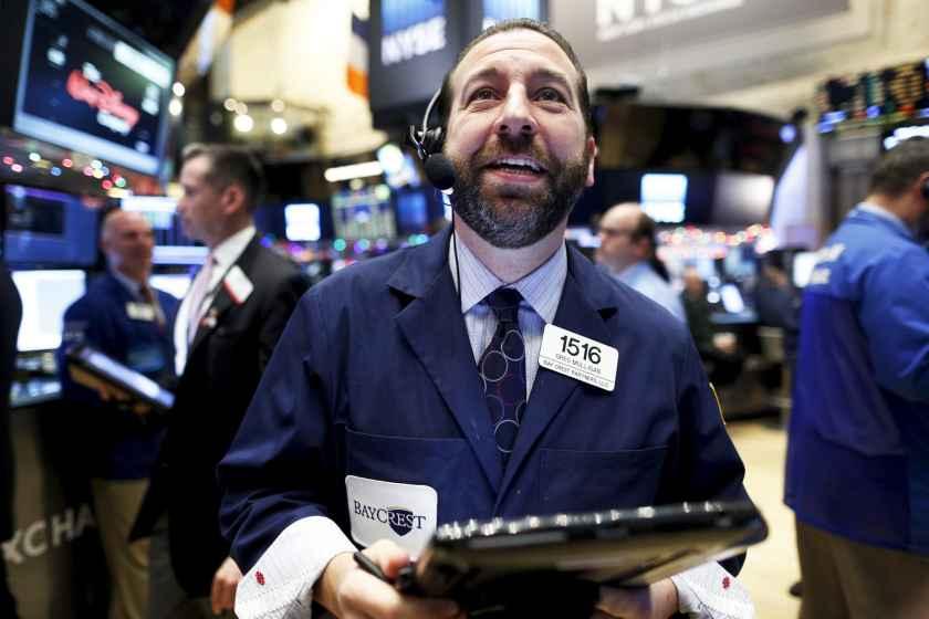 RT: NYSE trader happy 151215
