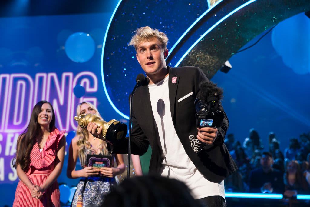 GP: Premio de Jake Paul en el escenario.