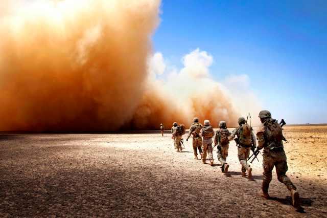 H/O: Marines dust Afghanistan