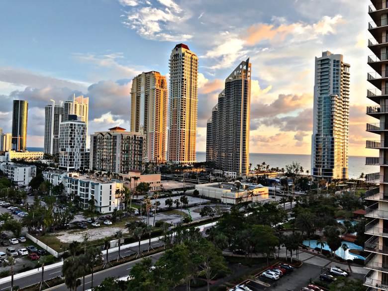 20/20: Miami Florida beach skyline hotel