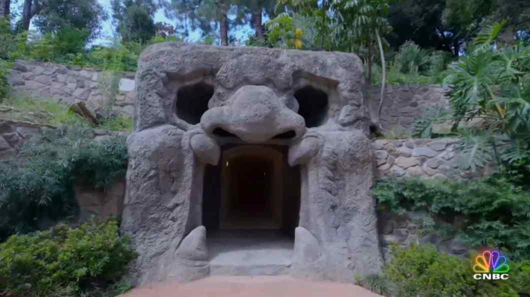 slsr chartwell stone head