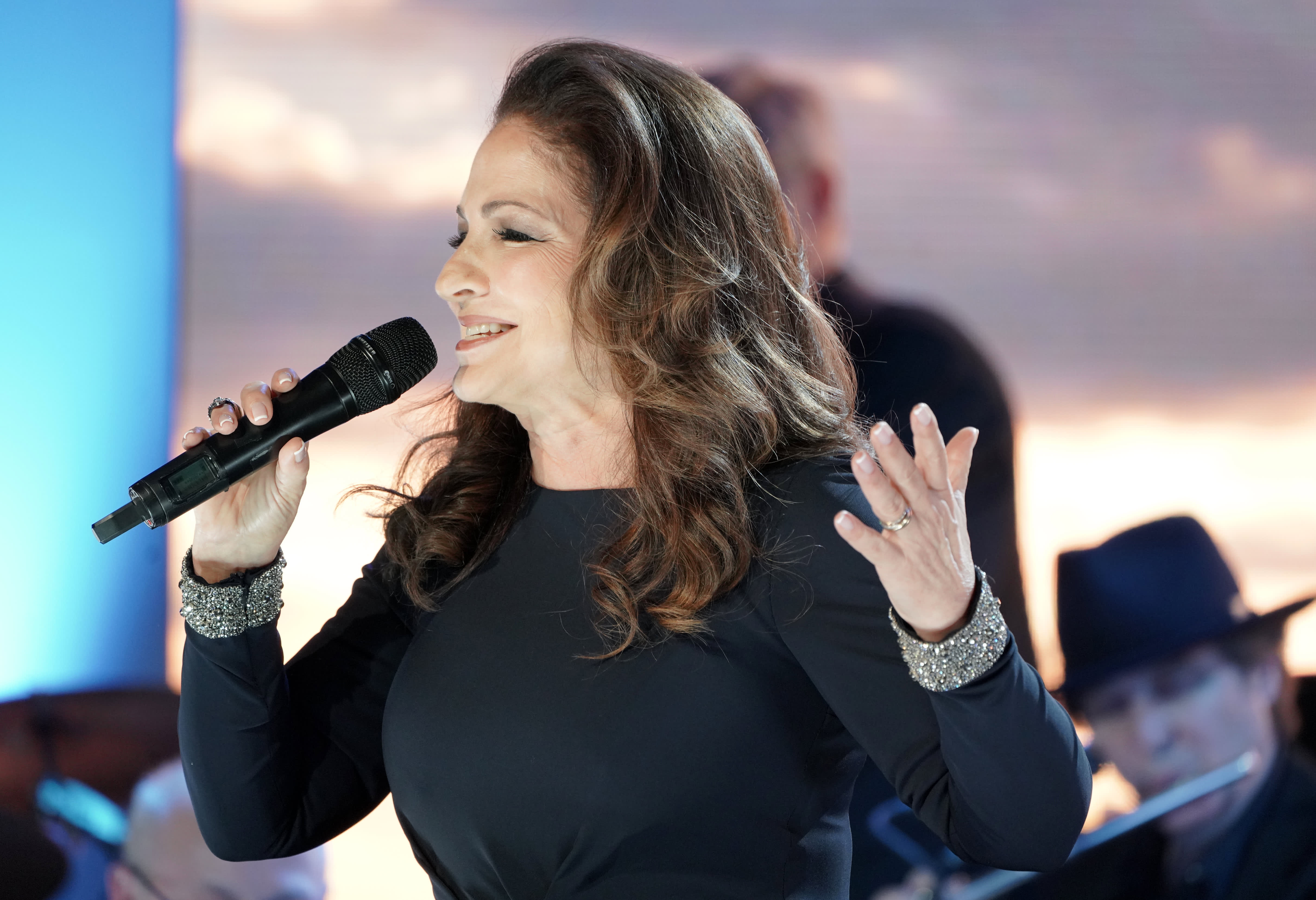 Gloria Estefan says there's a 'serious lack of leadership' in the U.S. coronavirus response