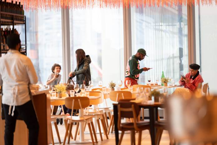 New York City indoor dining capacity to increase to 75% in May as Covid restrictions ease | Latest News Live | Find the all top headlines, breaking news for free online May 1, 2021