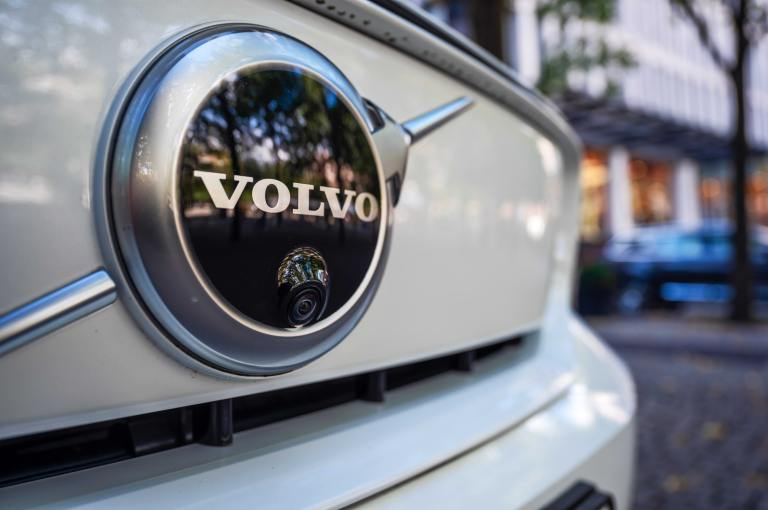 Volvo to recall 460,769 cars worldwide over air bag rupture fatality