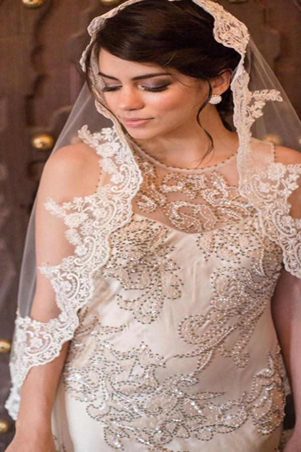2017 Stuning Bridal Veils Custom Made Charming White Ivory Champagne Lace 2 Layers With Lace