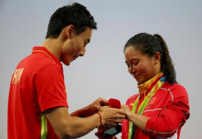Romantic Ending for Olympic Diving Lovebirds : Sports : Yiba