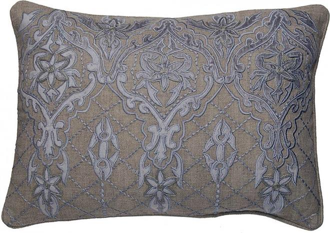 decorative and fancy throw pillows for