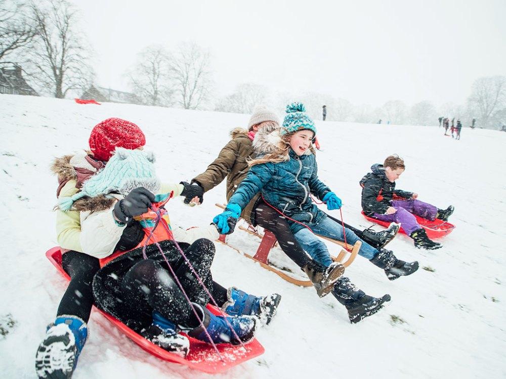 等待夜晚來臨前,別錯過最有活力的雪季活動雪盆溜溜樂!